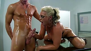 Hot tattoo mom Sadie Swede wants a load of fresh white cream on her ass