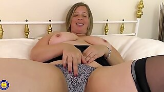 Mature curvaceous brit housewife needs a good plow