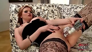 Hot and horny Tarra White jams her moist muff with toy